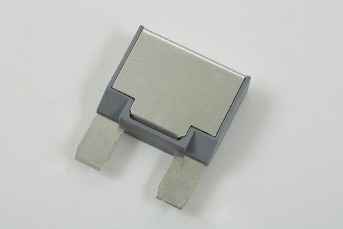 Optifuse automotive circuit breakers auto reset type i maxi acbm 2px maxi auto blade circuit breaker publicscrutiny Choice Image